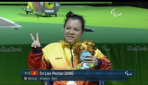 Đô cử Linh Phượng: Cô gái lạc vòng tay cha mẹ lập kỳ tích ở Paralympic Rio